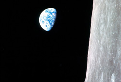 top10_10_earthrise_hf